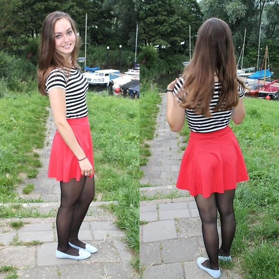 4586366_red_skirt