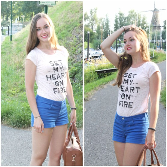4597726_set_my_heart_on_fire